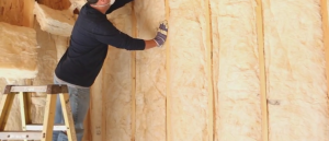 spray foam insulation keeps away pests